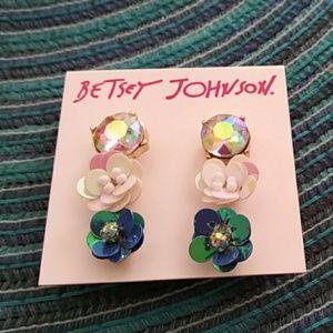 Betsey Johnson earring set PRICE FIRM